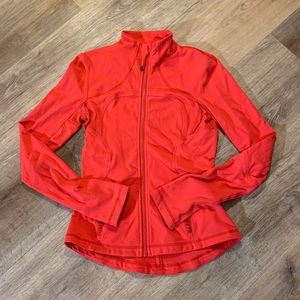 Great red Lululemon jacket! Very good condition.